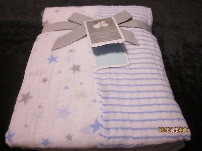 new JUST BORN muslin 2 SWADDLE BLANKETS baby white LIGHTWEIGHT COTTON  blue