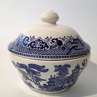 Churchill, England - Blue Willow Covered (Lidded) Sugar Bowl