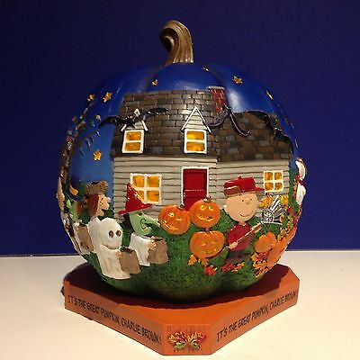 Danbury Mint Peanuts IT'S THE GREAT PUMPKIN CHARLIE BROWN Lighted w/bx Halloween