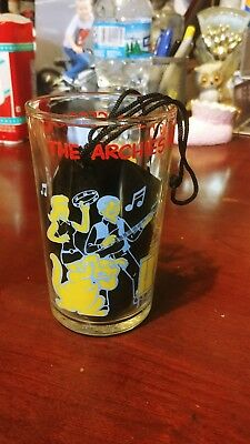 """*rare* """" The Archies Having A Jam Session Glass"""