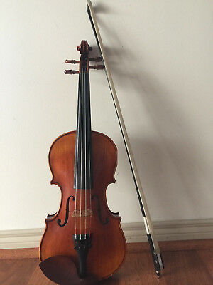 Fine Quality 1/2 size Violin, Bow and Case