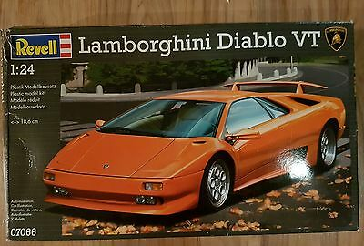 1:24 Lamborghini Diablo VT Revell model 7066 Shipping Included!!