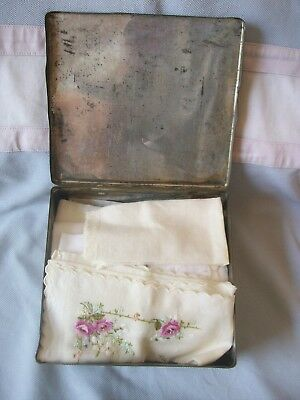 Vintage Handkerchief Tin with Approx 30x Cotton Embroidered etc. Handkerchiefs