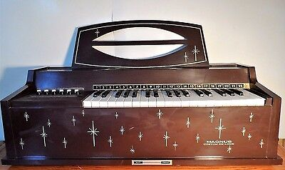 Vintage Magnus Custom Deluxe Chord Organ Model 505 Tested & Working See pics