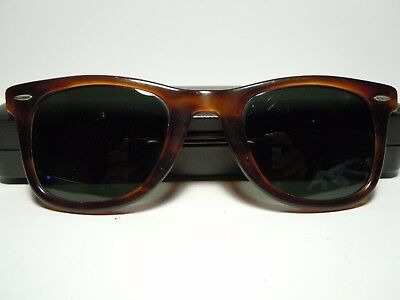RAY BAN  Wayfarer 5024 Vintage 80's by B&L U.S. Part of frame without hinges