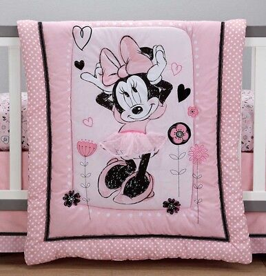 Minnie Mouse Hello Gorgeous Comforter by Disney Baby