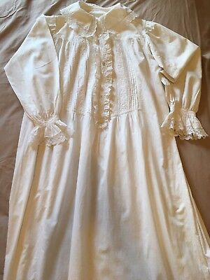 Romantic antique nightdress. White cotton, over 100 years old. Lace, pintucks.