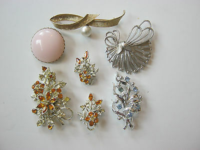Coro, small lot, vintage to now brooches, one brooch earring set, rhinestones