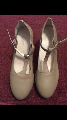 Leo's New York T-Strap Character Shoes Tan Size 9