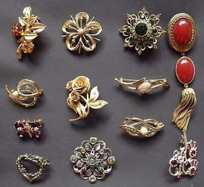 Assorted Vintage and more Modern Brooches