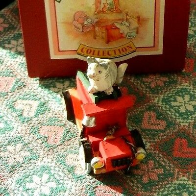 Peter Fagan Colour Box Home Sweet Home Cats - Fire Engine