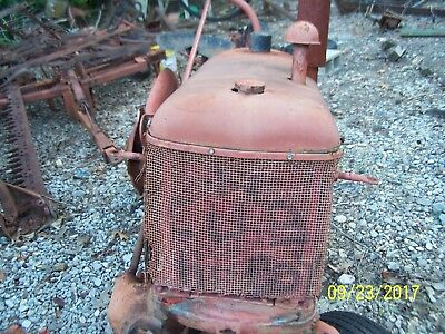 International/Farmall Cub Tractor Hood, Side Panels,Grille And Tank Assm