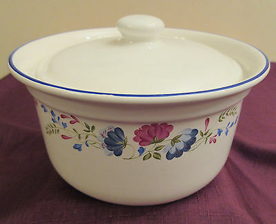 BHS Priory Lidded casserole / serving dish approx 7inch diameter