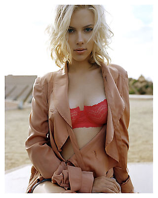 ---SCARLETT JOHANSSON--- 8x10 Glossy Photo-b-