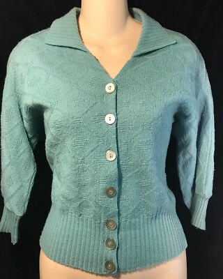 Vintage 40s 50s Robin's Egg Blue Pinup Girl Batwing Collar Sweater B34