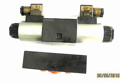 Hydraulic Valve / CETOP 3 NG 6/4/3-wegeventil with Baseplate