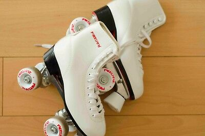 Freesport retro style quad roller skates