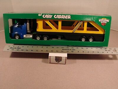 Chevron Cary Car Carrier In Box