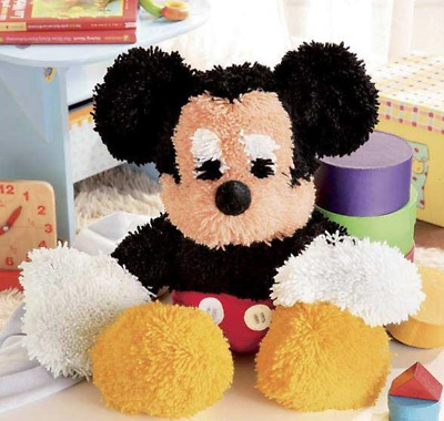 Vervaco - Latch Hook Plush Toy Kit - MICKEY MOUSE - Cuddles - 2575/1101