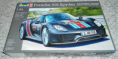 Revell Germany 1/24 Porsche 918 Spyder w/ Weissach package