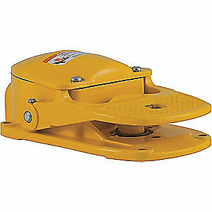SQUARE D Cast Aluminum Heavy Duty Foot Switch,Momentary Action, 9002AW1, Yellow