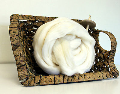 500g - Fine Merino Roving White Wool Combed Top Undyed 21m 70's 1.1lb