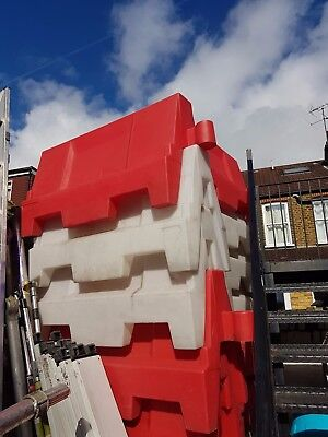 EVO Road Traffic Safety Barrier 1 Metre, White and Red