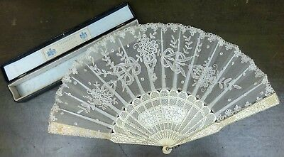 Elegant Antique Duvelleroy Boxed Fine Lace Carved Bovine Bone Hand Fan Victorian