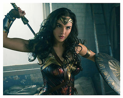 "---WONDER WOMAN--- ""Gal Gadot"" 8x10 Photo -b-"