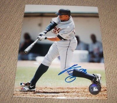 CURTIS GRANDERSON - Autographed Detroit Tigers 8x10 Photo *HAND SIGNED*