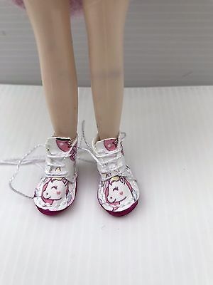 Blythe Doll Boots - Handmade White Coloured Faux Leather With Unicorn Pattern