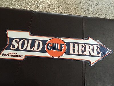 Vintage GULF OIL ARROW SIGN, No-nox Gas Sold Here Metal Gas Station Pump Sign