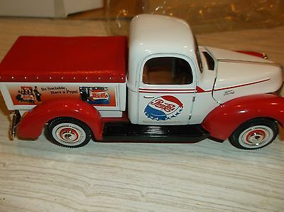 Golden die cast 1940 ford p.u advertising pepsi    (605)