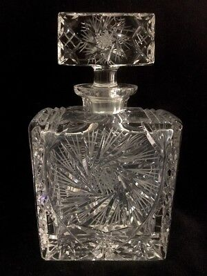 Pinwheel Crystal Liquor Decanter with Beautiful Rectangle Stopper