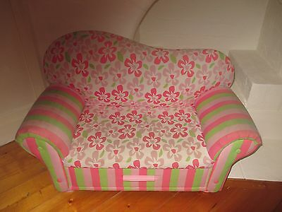 Girls Bedroom Me In Mind Room Decor Prima Vera Collection Sweet Sofa with Drawer