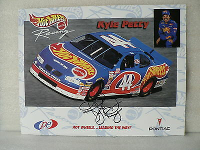 KYLE PETTY NASCAR Driver  AUTOGRAPH SIGNED PHOTO