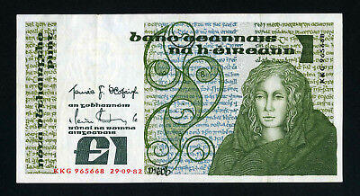 Ireland  Bank Note   1 Pound  1982     V F