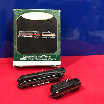Hallmark Miniature Ornament Locomotive and Tender Lionel 746 Norfolk 1999 New M5