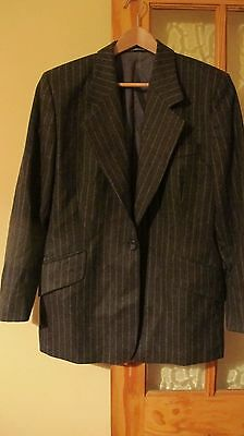 ladies Daks Signature 100% wool pin stripe blazer size 16 or 18