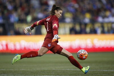 """032 Hope Solo - Team USA Keeper Football Soccer Wowen Olympic 21""""x14"""" Poster"""