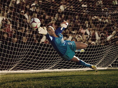 """038 Hope Solo - Team USA Keeper Football Soccer Wowen Olympic 18""""x14"""" Poster"""