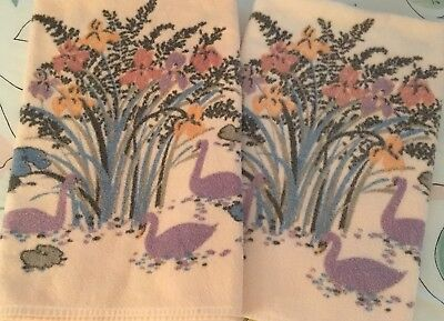Pair Vintage Dundee USA Swan Cotton Bath Towels