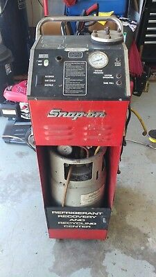 Snap On ACT2500 R12 Refrigerant Recovery and Recycling machine