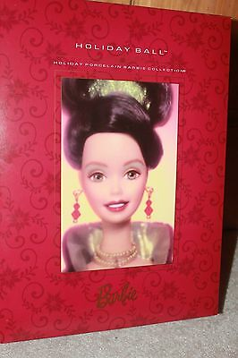 Holiday Ball Barbie 1997 #26786 MINT  Holiday Porcelain Collection 18326