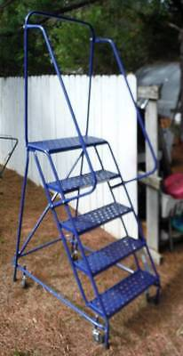 4' Rolling Warehouse Ladder W/ retractable castors -USA Louisville Ladder