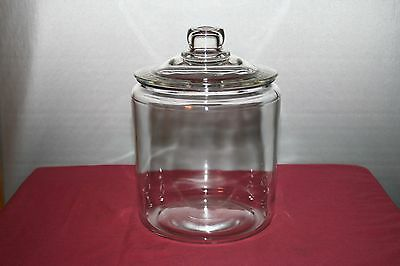 Large Clear Glass Counter Top Cookie Candy Cracker Jar with Lid
