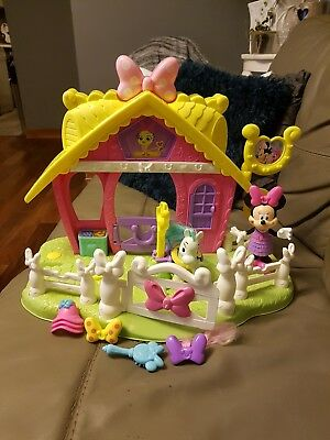 Fisher price Disney Minnie mouse  jump and style pony horse stable play set
