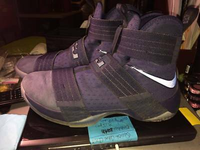Lebron Soldier 10 Basketball Size 9 Shoes