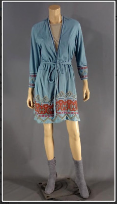 Bad Moms Mila Kunis Amy Mitchell Screen Worn Robe Shirt & Socks Ch 17 Sc 76