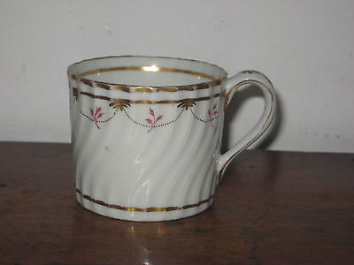 ENGLISH COFFEE CUP wrythen SHAPE PAINTED & GILDED DECORATION CIRC 1800 elegant